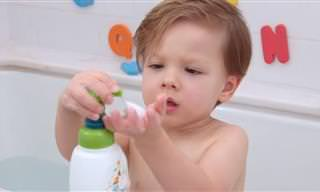 12 טיפים לשעת המקלחת של הילדים