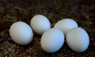 שיטה להכנת חביתה בתוך ביצה