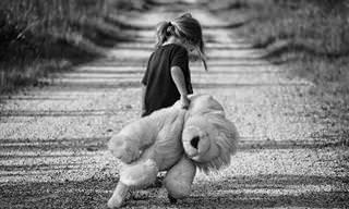 סיבות וסימנים לחרדה בקרב ילדים ודרכי ההתמודדות להורים