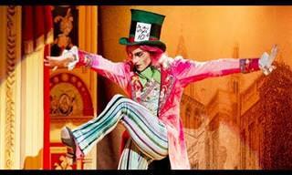 מופע בלט נפלא של הכובען המשוגע מהסיפור של אליס בארץ הפלאות