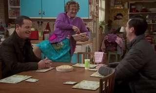 לגברת בראון יש דרך מיוחדת מאוד לערבב קצפת...