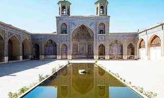 המסגד המואר של שיראז