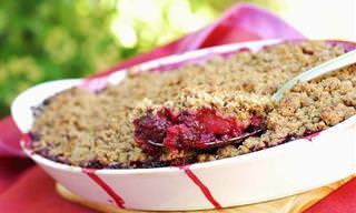 קראמבל תפוחים, אגסים ואוכמניות טעים להפליא