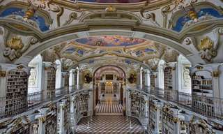 ספריית אדמונט אביי - הגדולה מסוגה בעולם