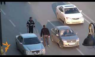 שוטרי תנועה באזרבייג'ן עושים קופה!