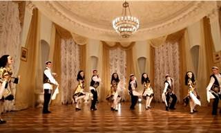 ריקודים כאלו בחתונה יהודית מסורתית עוד לא ראיתם!