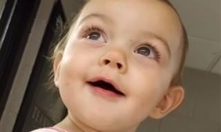 ילדה קטנה ומתוקה שומעת הד בפעם הראשונה - מקסים!