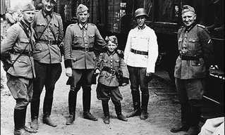 סיפורו של הילד היהודי שהיה לקמע של הנאצים