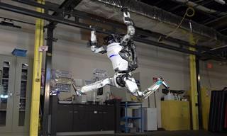 רובוט מתקדם של חברת בוסטון דיינמיקס מציג יכולות תנועה מרשימות מאוד