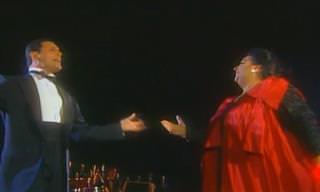 ביצוע מיוחד במינו של פרדי מרקיורי וזמרת האופרה מונסראט קאבאייה