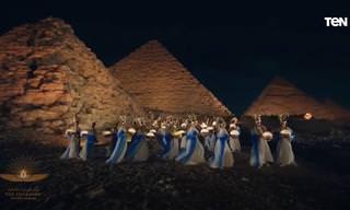 """תזמורת """"מצעד הפרעונים"""" המצרית מבצעת שיר מצרי עתיק ומרגש"""