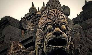 המקדש הבודהיסטי בורובודור