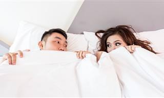 זה מה שהתנוחות בהן אנו ישנים כזוג מעידות על מערכת היחסים שלנו