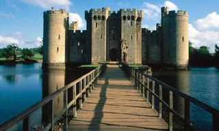 תעלות חפיר מקסימות בטירות מכל העולם