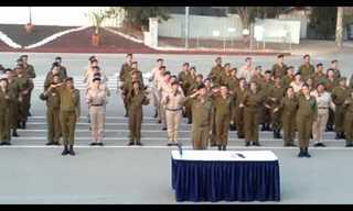 רגע מרגש בטקס סיום טירונות מתנדבים