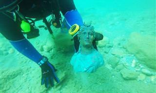 זוג צוללנים מצא עתיקות בנמל קיסריה מלפני 1,600 שנה