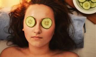 8 תכשירים טבעיים ממלפפון המטפלים בעור הפנים, הגוף והשיער