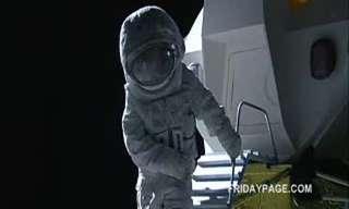 האישה הראשונה על הירח