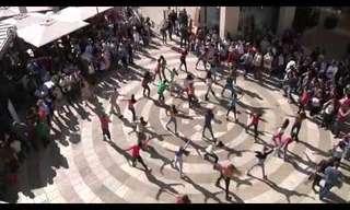 הורה ירושלים - ריקוד המוני בשדרות ממילא!