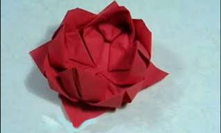 קיפול פרח מקסים למפיות השולחן