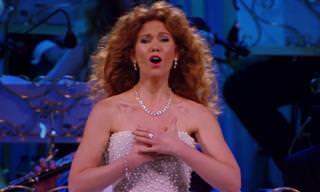"""ביצוע נהדר לשיר """"חשוב עליי"""" מפנטום האופרה של המנצח אנדרה ריו"""