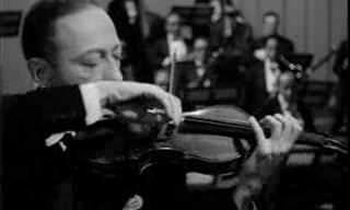 יאשה חפץ מנגן קונצ'רטו לכינור של צ'ייקובסקי