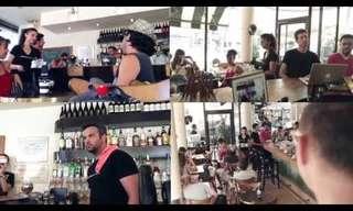 א-קפה-לה: הופעה ששוברת את השגרה היומית