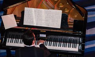 24 שירים אהובים בביצוע על פסנתר