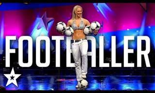 לאישה הזו יש כשרון מיוחד בהקפצת כדורי רגל ⚽