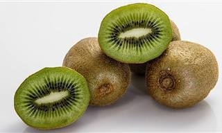 9 יתרונות בריאותיים של הקיווי ומתכון מפתיע לשייק טעים ובריא