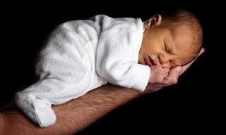 איך גורמים לתינוקות ופעוטות לישון טוב בלילה