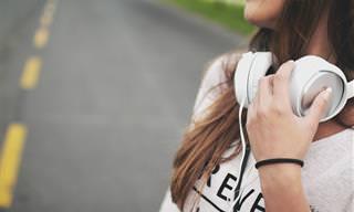 24 להיטים אהובים שיפיחו בכם אופטימיות