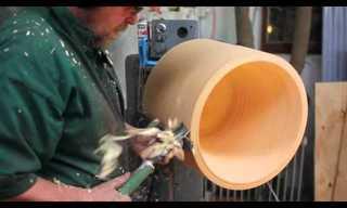 אמן עץ מדהים הופך גזע עץ למנורה!