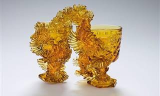 18 יצירות זכוכית מרהיבות של האמנית אמבר קוואן