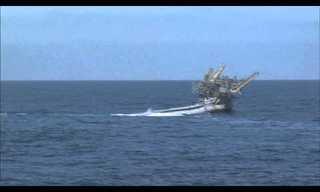 ספינת המחקר פליפ ניצבת ב-90 מעלות