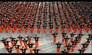 אסירים בפיליפינים  עם חיבה למייקל גקסון- מדהים