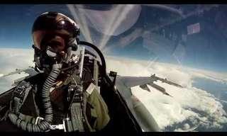 עם הראש בעננים - טיול מדהים במטוס F16!