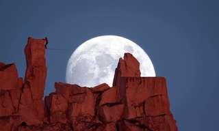 הליכה על חבל לאור ירח - עוצר נשימה!