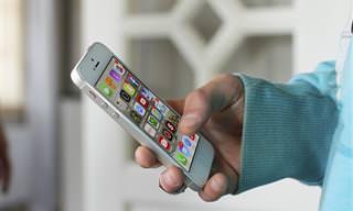 """5 אפליקציות שכדאי להתקין בסמארטפון לפני הטיסה לחו""""ל"""