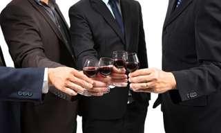 8 מיתוסים על אלכוהול שהתגלו כשקריים