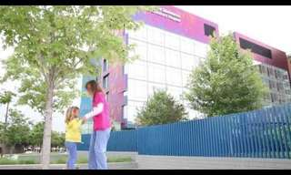 ילדים חוגגים בבית החולים - מרגש!