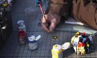 אמנות רחוב על גבי גומי לעיסה!