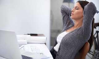 6 תרגילי כושר פשוטים שניתן לעשות בישיבה