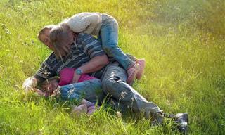 מחקר חדש חשף: זו הסיבה למה אבות מאושרים יותר מאימהות