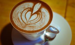 6 תוספות שישדרגו את כוס הקפה שלכם, מבלי להוסיף לו סוכר