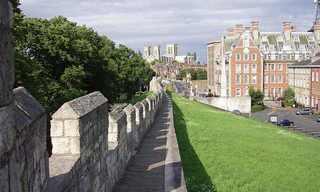 עיר חומה: 12 אתרים היסטוריים מרהיבים!