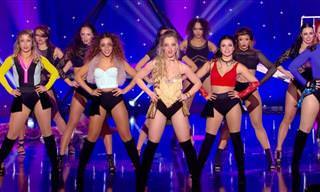 מופע ריקודים וקסמים סוחף של חברות הרכב Angels