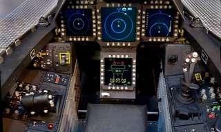 תאי הטייס של מטוסים מפורסמים