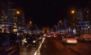 בואו לגלות מדוע פריז נקראת עיר האורות...
