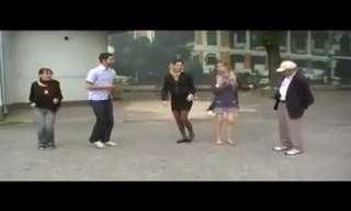אני אשרוד: רוקדים באושוויץ - סרטון מרגש!!